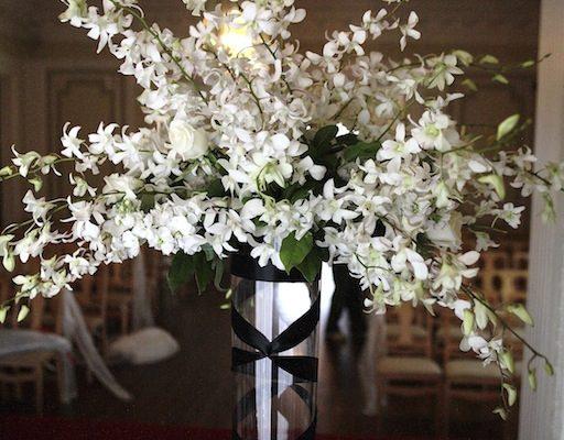 Floral center piece and arrangement